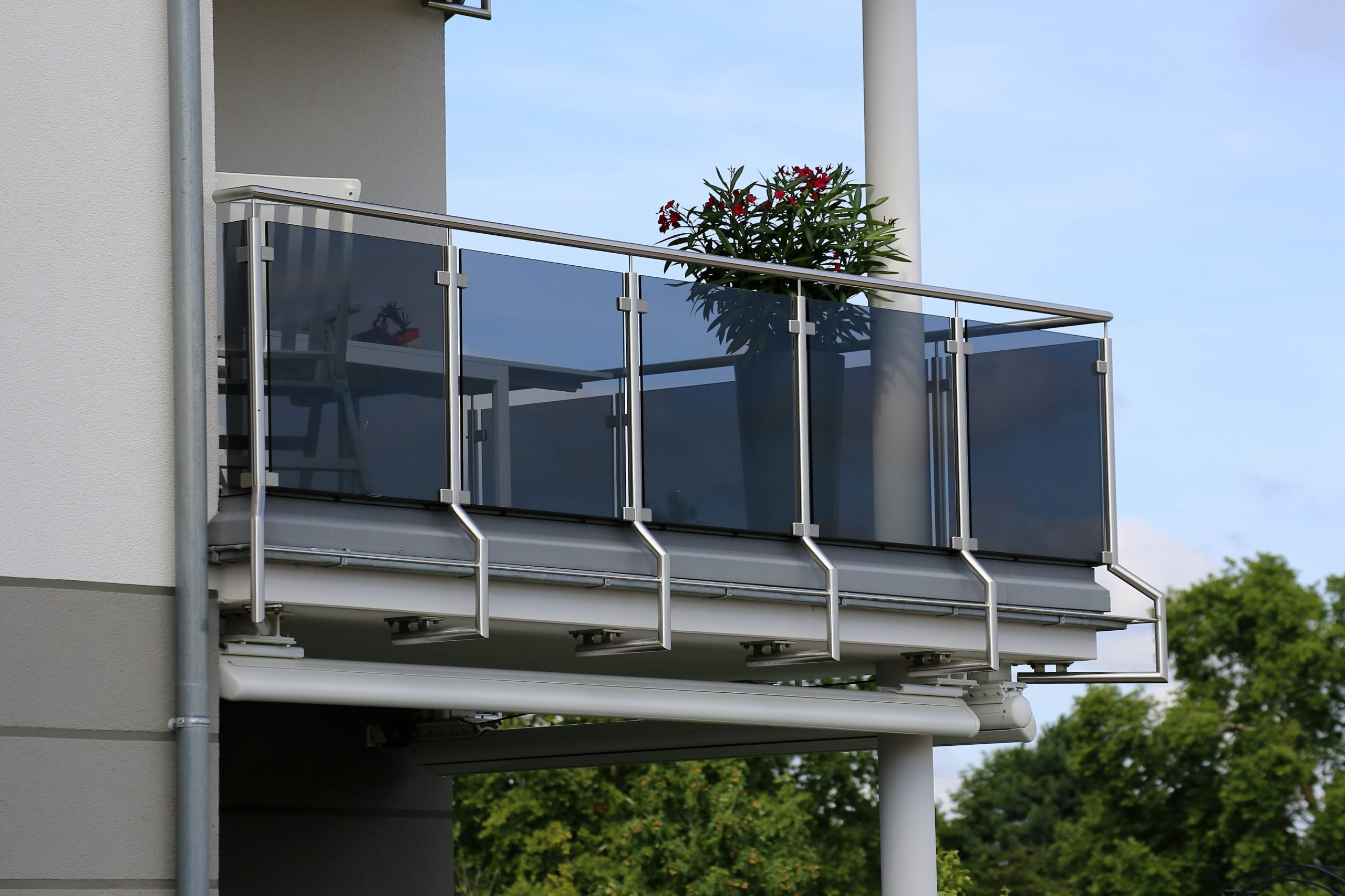 Example of a glass and steel balcony